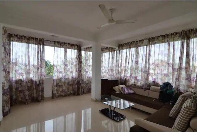 3 Bhk 130sqmt flat furnished for Rent in Donapaula, North-Goa.(50k)
