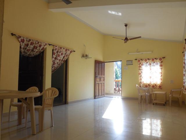 2Bhk 90sqmt flat Semi-furnished for Rent in Siolim, North-Goa.(22k)
