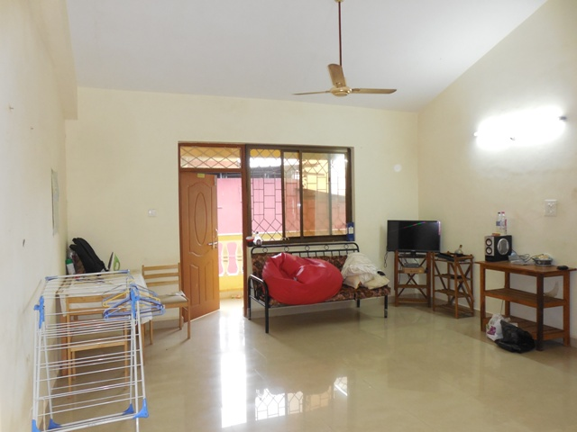 2 Bhk 90sqmt flat Semi-furnished for Rent in Panjim, North-Goa. (18k)