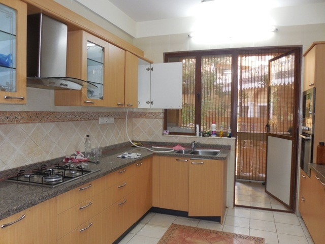 3 Bhk 180sqmt flat fully furnished for Rent in Donapaula, North-Goa.(60k)