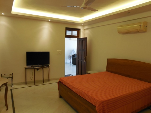3 Bhk Bungalow furnished for Sale in Candolim, North-Goa.(2.80Cr)