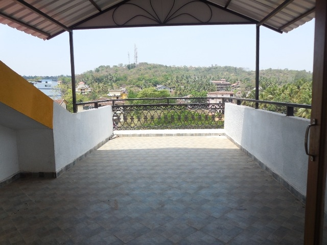 2Bhk flat 120sqmt with open terrace for Rent in Duler-Mapusa, North-Goa.(20k)