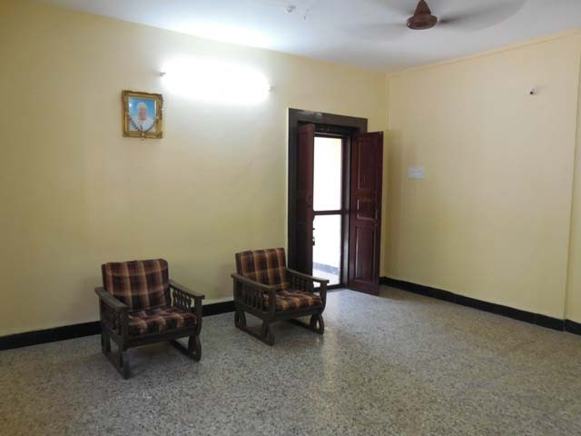 3 Bhk Independent House with 1000sqmt plot for Rent in Guirim, North-Goa.(40k)