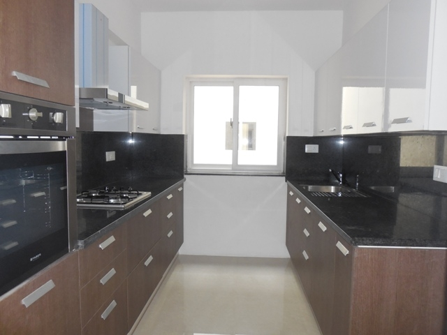 2 Bhk 149sqmt flat Semi-furnished for Rent in Taleigao, North-Goa.(30k)