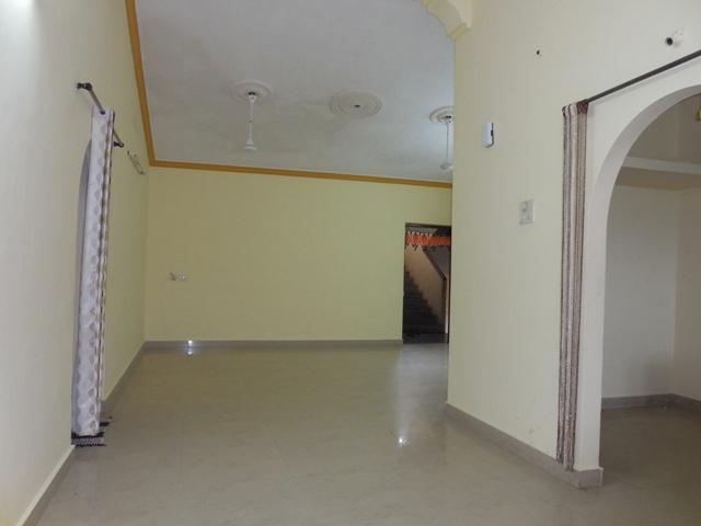 2 Bhk 95sqmt flat for Sale in Peddem-Mapusa, North-Goa.(40L)