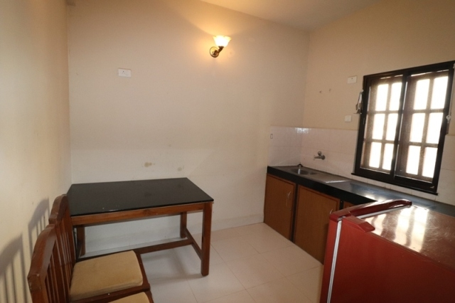 2 Bhk 100sqmt flat furnished for Sale in Candolim, North-Goa. (70L)