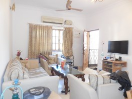 2 Bhk 110sqmt flat Semi-furnished for Sale in Candolim, North-Goa.(70L)